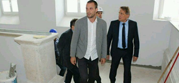 Gradonačelnik Kalmeta sa suradnicima obišao gradilište Kneževe palače