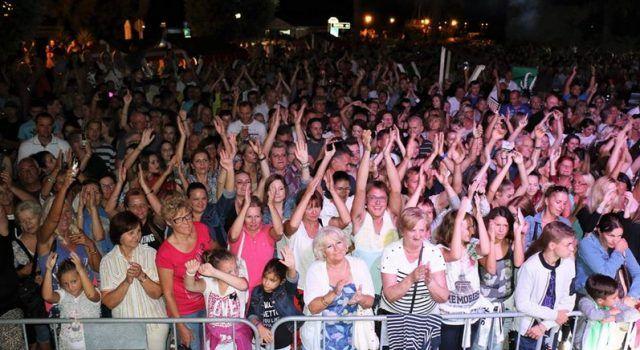 FOTOGALERIJA Seksipilna Severina oduševila 10 tisuća posjetitelja u Viru!
