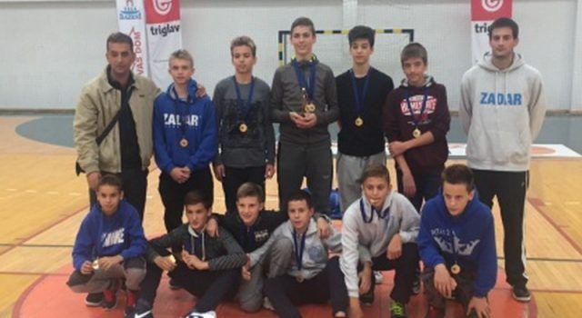 U JAKOJ KONKURENCIJI Juniori, kadeti i mlađi kadeti KK Zadra osvojili zlato