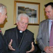 Župan Zrilić sa suradnicima primio banjalučkog nadbiskupa Franju Komaricu