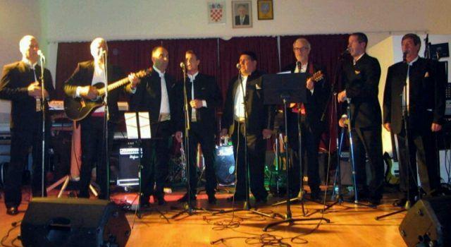 VELIKO SRCE Na koncertu u Sukošanu prikupljena sredstva za liječenje ratnog heroja