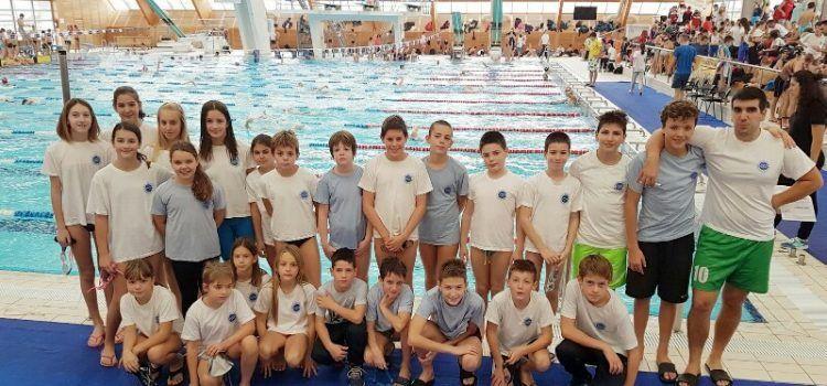 IZVRSNI REZULTATI Djeca iz Plivačkog kluba Jadera osvojila 8 medalja!