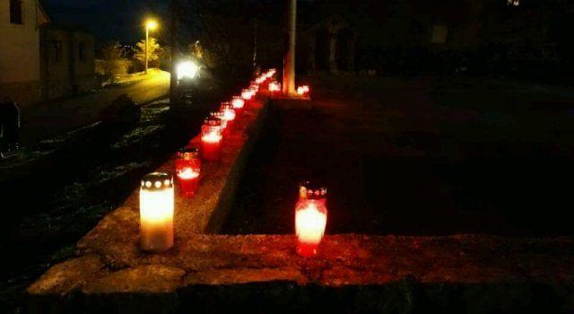 Mještani Vukšića zapalili svijeće i pomolili se za žrtve Vukovara i Škabrnje