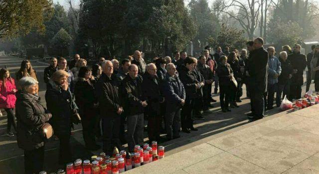 ODALI POČAST Mještani Bibinja i Zemunika s nekoliko autobusa išli na Tuđmanov grob