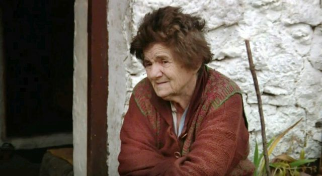 TUŽNO I NEPRAVEDNO Baka Anka (80) živi bez struje, vode, gladna i bolesna!