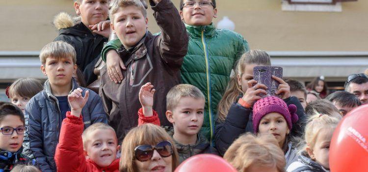 Zadar je imao i dječji doček Nove godine, djecu zabavljao Ivan Zak