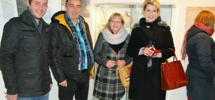"""Otvorena izložba """"Stipe Sikirica – kipar Alke"""" u Zavičajnom muzeju u Biogradu"""