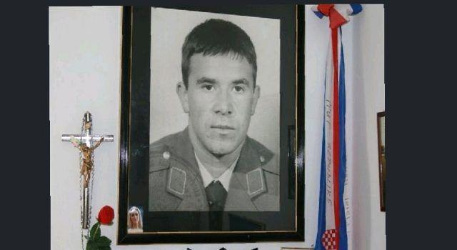 Obilježava se 30. obljetnica pogibije heroja iz Bibinja Franka Lisice