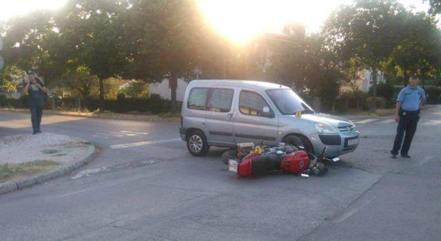 FOTO Sudarili se osobni automobil i motocikl, očevid je u tijeku