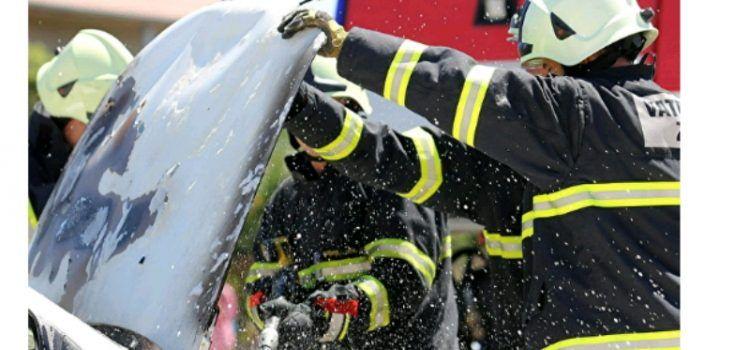 U Neviđanima u požaru izgorila dva vozila