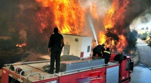 Sinoć u Biogradu gorjela kuća – uzrok požara se istražuje