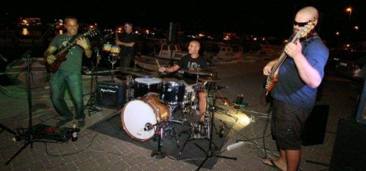 GALERIJA Na Velikoj obali u Bibinjama održan koncert grupe Škabelin