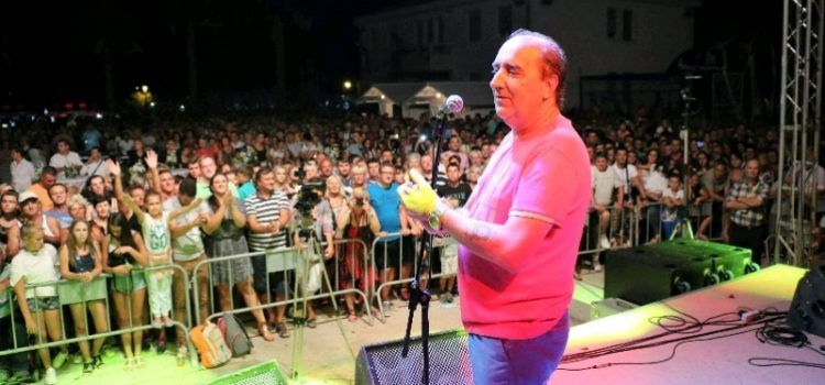GALERIJA Mladen Grdović i Maja Šuput održali odličan koncert u Viru