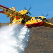 Požar blizu Psihijatrijske bolnice Ugljan gase dva kanadera i brojni vatrogasci
