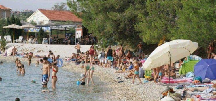 GALERIJA Beach party na plaži Lipauska u Bibinjama