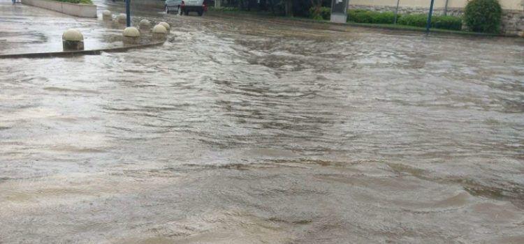 FOTO Oko kolodvora u Biogradu jutros ponovo poplavilo