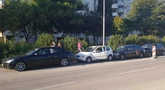 FOTO Lančani sudar na Bulevaru, sudarila se 4 automobila!