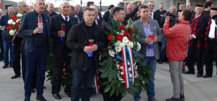 GALERIJA Lišane u Domovinskom ratu – odali počast poginulim braniteljima