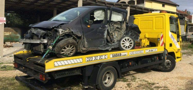 FOTO Sinoć u prometnoj nesreći ozlijeđen 30-godišnji vozač