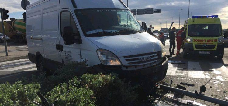 VIDEO Sudarila se dva vozila kod Intermoda, stradao biciklist!