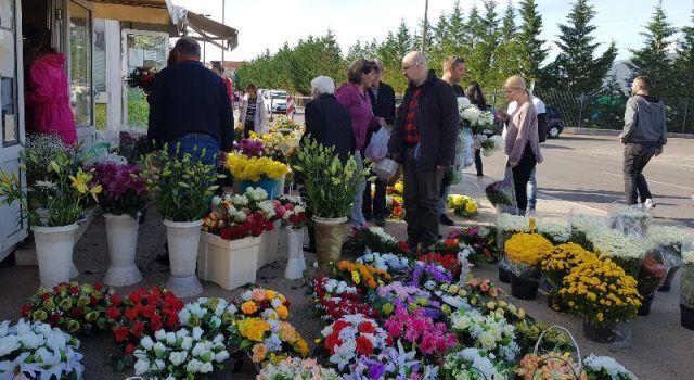 Iz Nasada mole građane da na groblje nose maske i drže se propisanih mjera