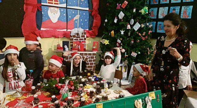 U Bibinjama održan Božićni sajam, izložene i dječje rukotvorine