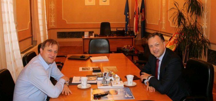 Gradonačelnik Dukić dogovara uvođenje brodske linije za Anconu