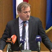 Gradonačelnik Dukić ukinuo božićnice zaposlenicima gradskih tvrtki
