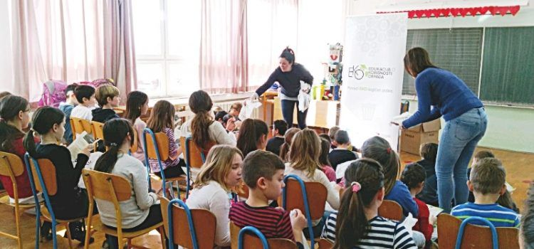 48 učenika na radionici o korisnosti otpada u Maslenici i Jasenicama