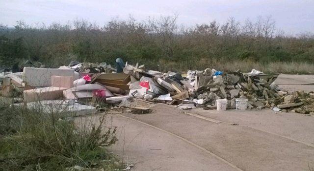 FOTO Od Ražanca do Zadra sve više divljih odlagališta smeća!