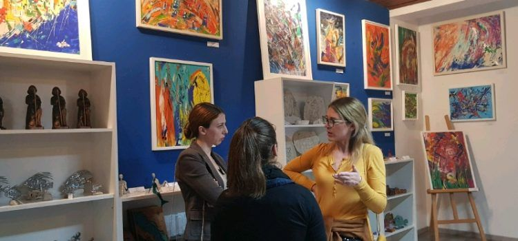 GALERIJA Izložba slika umjetnice Nine Bugarija oduševila brojne posjetitelje!