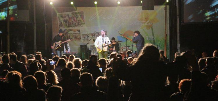 USKRS NA VIRU Koncert grupe »Dalmatino« na Trgu svetog Jure