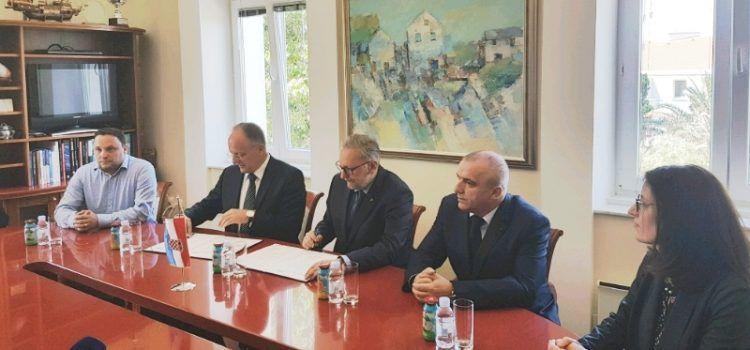 Prvi u Hrvatskoj: Grad Novalja i MUP subvencionirat će smještaj policajaca