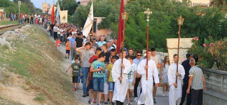 GALERIJA Veličanstvena procesija održana u Bibinjama na blagdan Tijelova