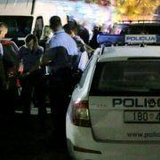 Policajci u Gračacu zaustavili šleper prepun imigranata