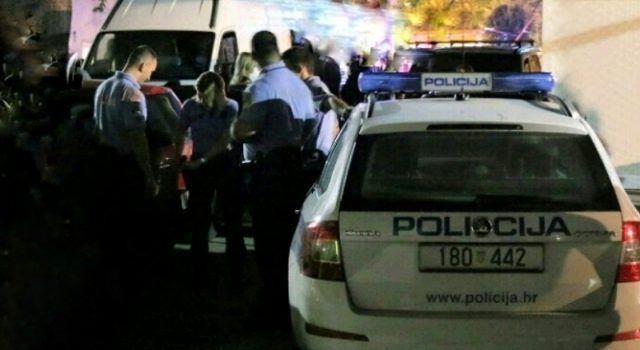 Policija privela mladiće osumnjičene za napad na turiste iz Srbije