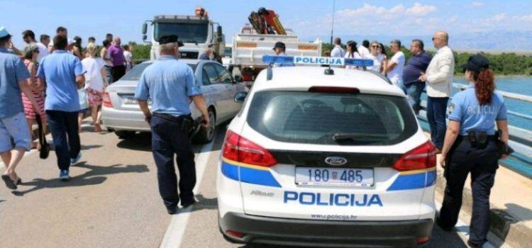 TKO JE PRIJAVLJEN? Ili policajci ne znaju zbrojiti godine ili to nije Kapović?!