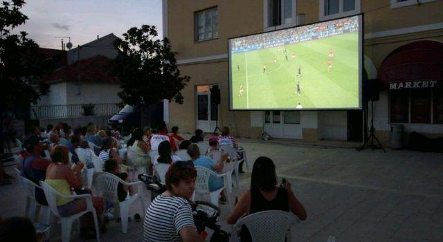 GALERIJA Bibinjci proslavili pobjedu, prijenos se pratio i u Ljetnom kinu