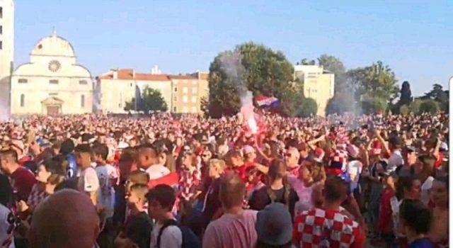 Tisuće Zadrana slavi srebrnu medalju i Luku Modrića kao najboljeg igrača!