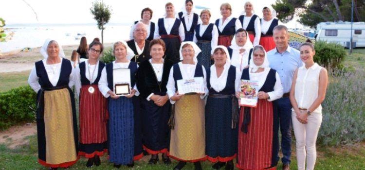 KUD Privlaka osvojio zlatnu medalju na Festivalu folklora u Španjolskoj