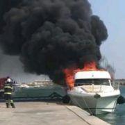 VIDEO Požar na jahti u Sukošanu