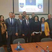 VIDEO Ministar Marić i načelnik Pelicarić potpisali ugovor; osiguran teren za domove mladih obitelji
