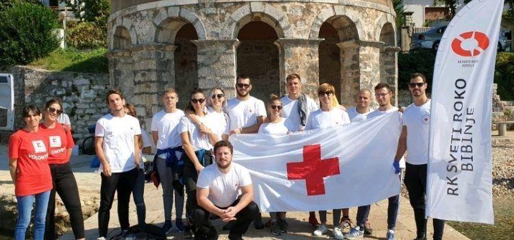Zaposlenici Kauflanda i učenici iz Bibinja zajedno uređivali okoliš