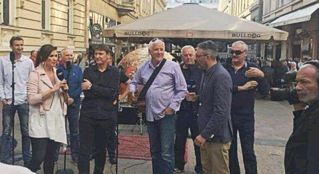 Tomislav Bralić i klapa Intrade snimali emisiju i družili se s fanovima na zagrebačkoj špici