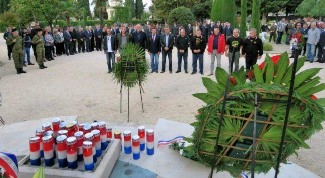Na Gradskom groblju odana počast braniteljima poginulima u obrani Zadra