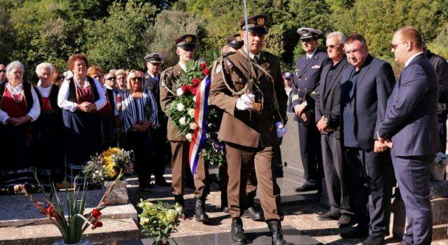 U Sutomišćici je svečano obilježena 27. obljetnica osnutka Otočkog bataljuna