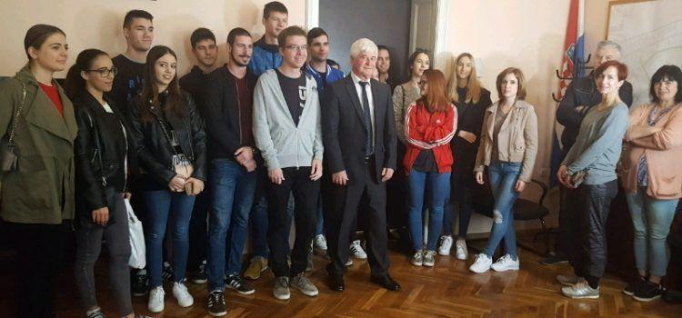 POTICANJE ŠKOLOVANJA Općina Bibinje dala stipendije 75 studenata
