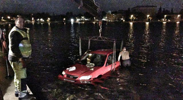 FOTO Automobil sletio u more s Trpimirove obale u Zadru