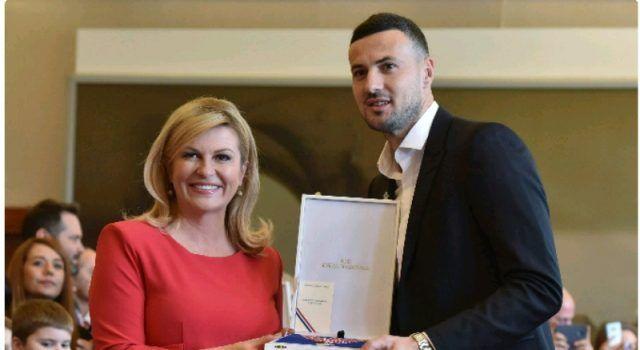 Predsjednica odlikovala igrače i stručni stožer nogometne reprezentacije