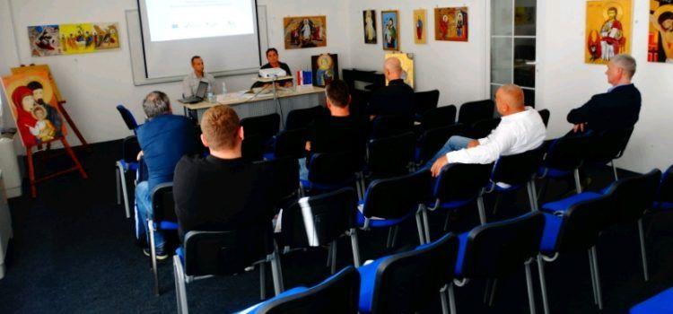 Volonterski centar Gračac organizira besplatnu edukaciju o menadžmentu volontera